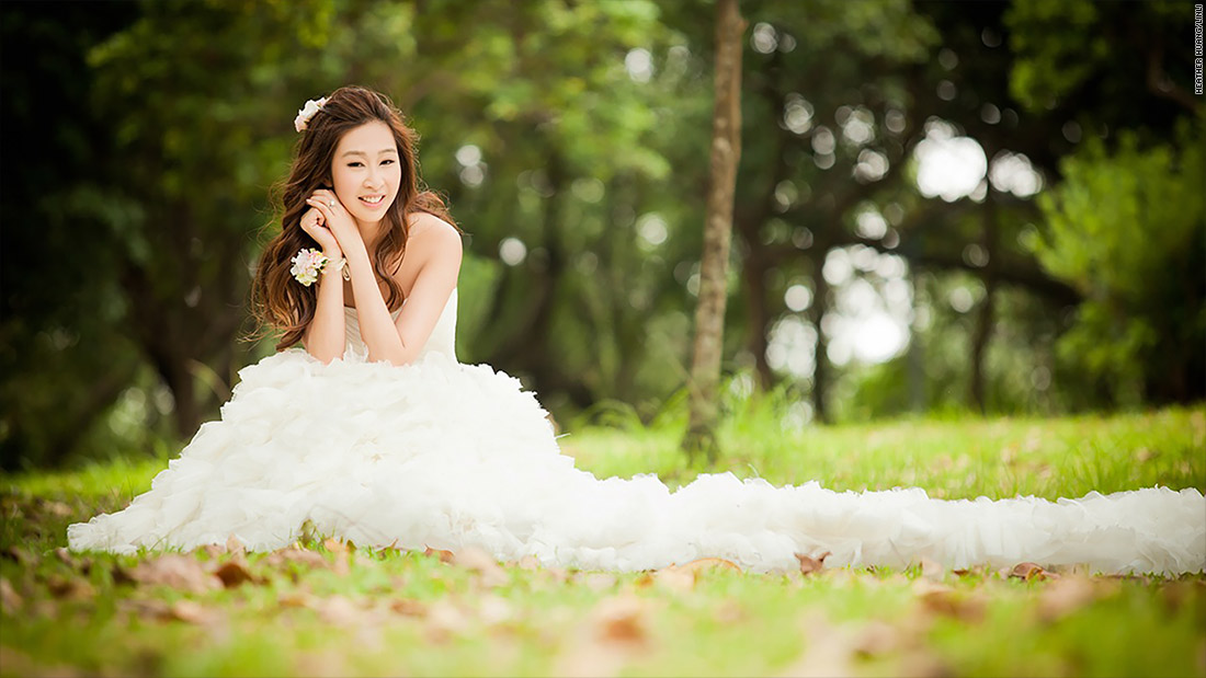 Poses for 'Solo' Bridal Photos